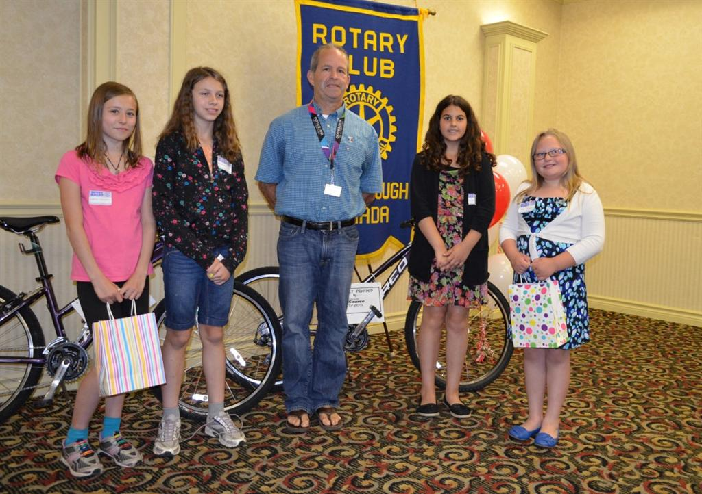 rotary essay competition Rotary and the ira have been project partners since 2002 diana white, a past district governor and member of the rotary e-club of the caribbean 7020, says she got the idea for the story contest after a visit to the headquarters of rotary international in britain and ireland (ribi), which holds a number of well-publicized youth contests every year.