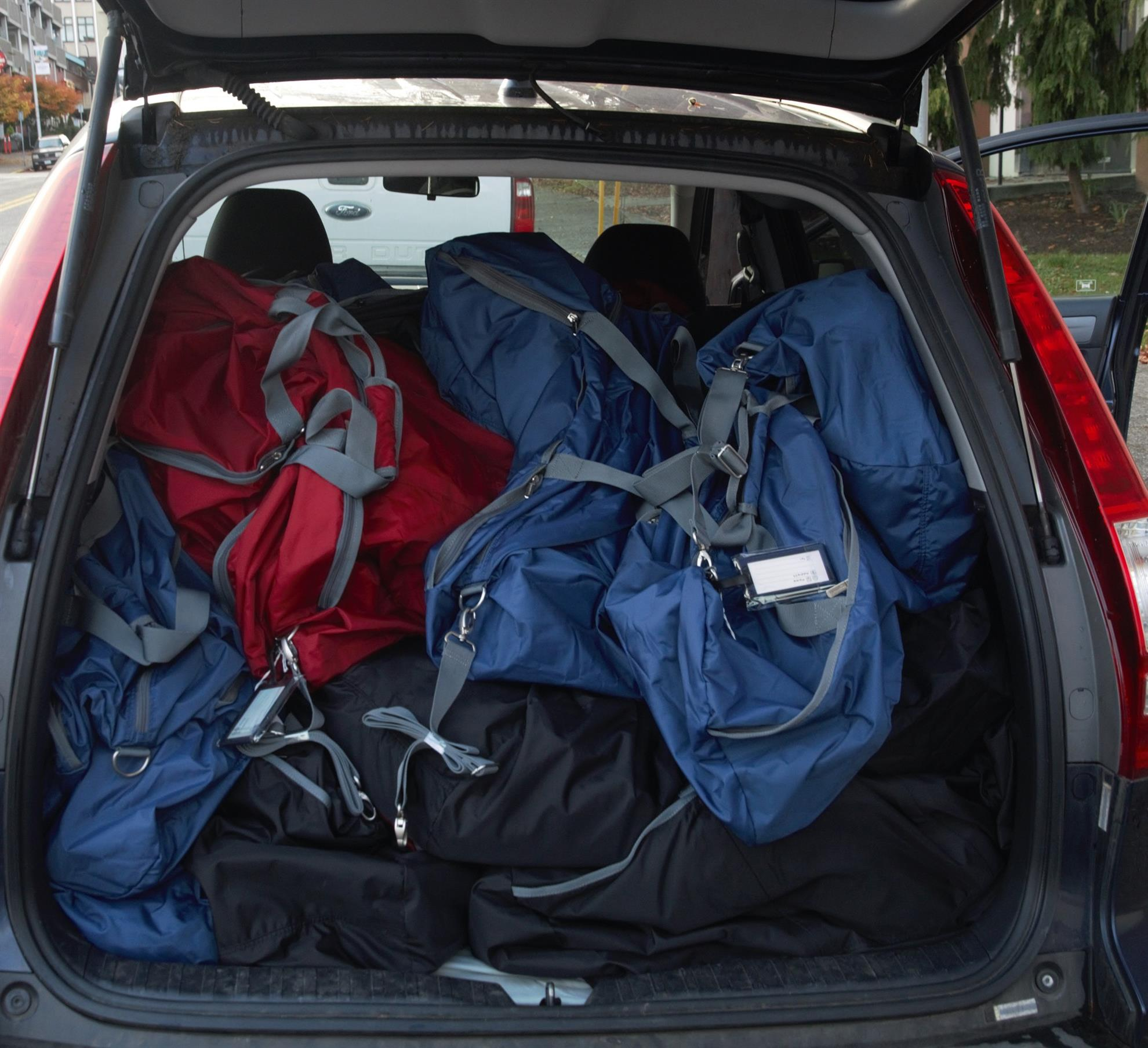 Stories Rotary Club Of Lake Stevens 9139 Town Car Fuse Diagram Forums Edmunds Duffel Bags 42 With Hygiene And School Supplies Were Delivered To The Foundation Church In Everett Who Works Dshs Snohomish County Courts