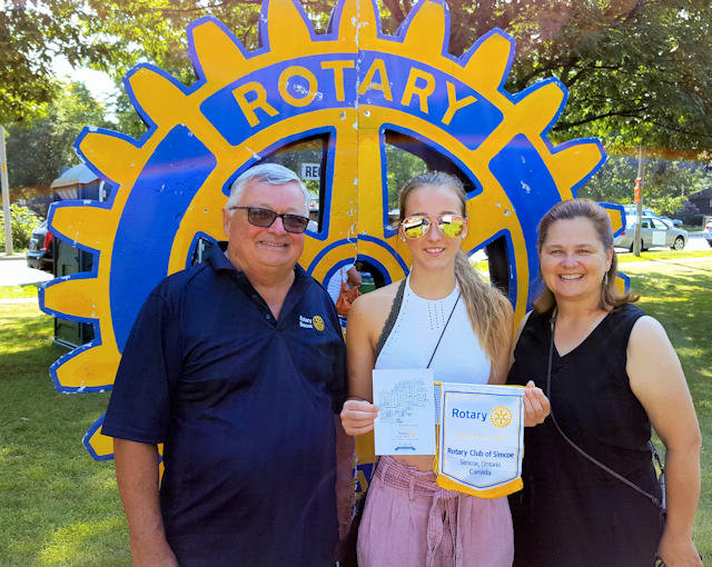 Amelia Verlint (Brazil Youth Exchange Student) | Rotary Club of Simcoe
