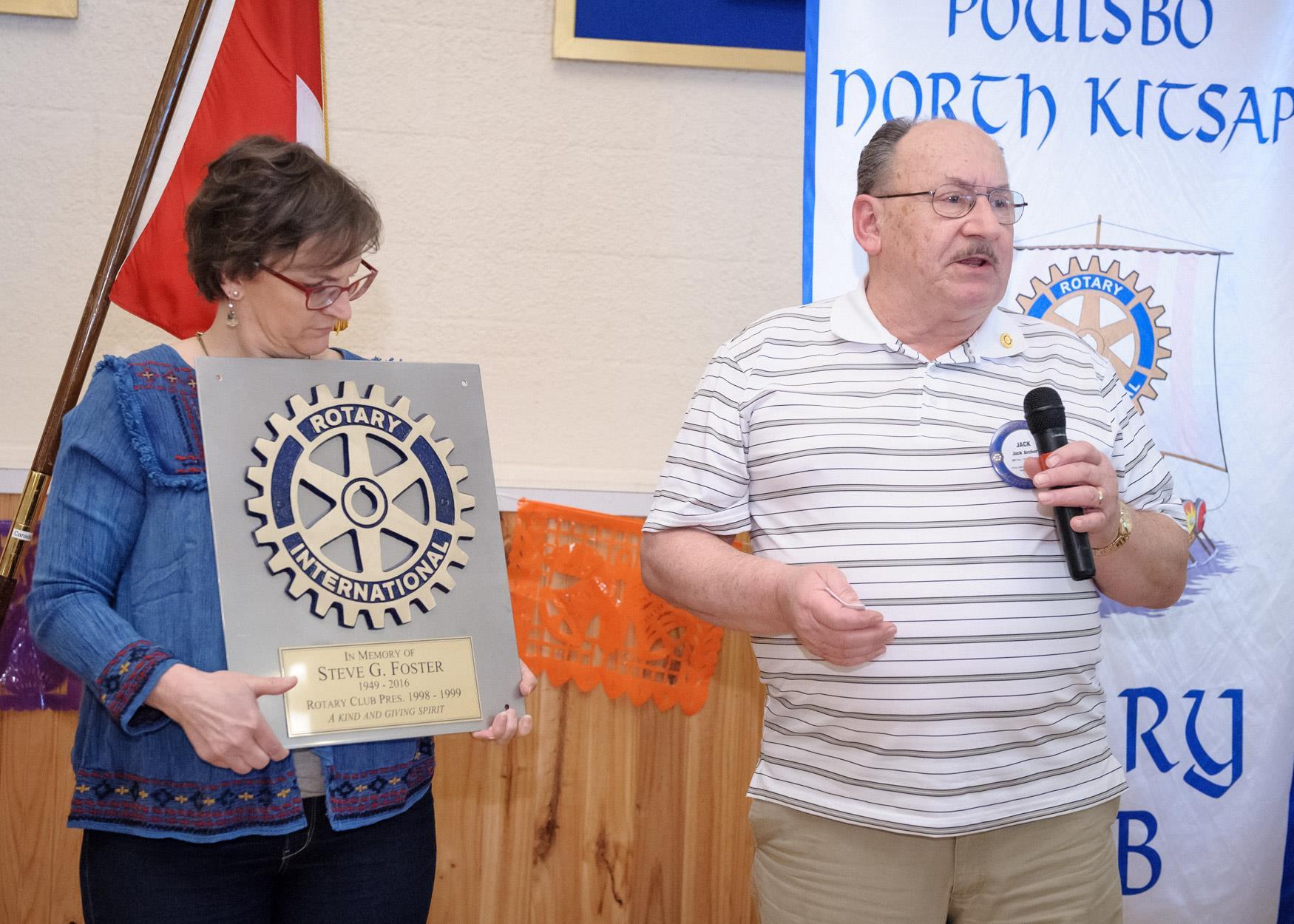 Jack Archer presents the Memorial Plaque for Steve Foster