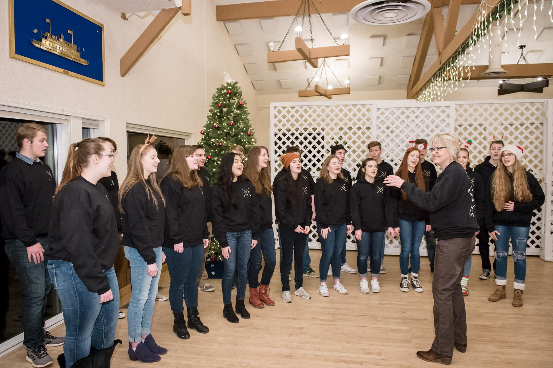 NK High School Choir Caroling