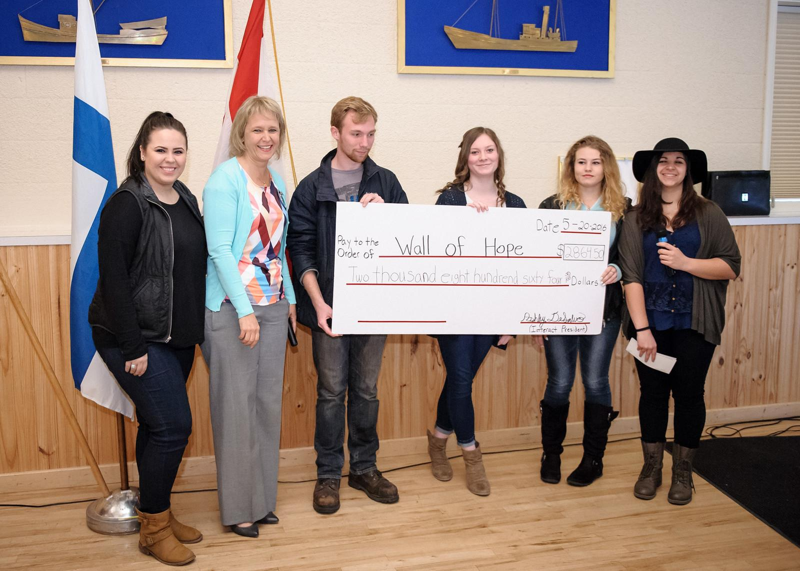 North Kitsap Interact Club donates to Dessie's House
