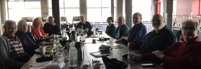 Members of teh Rotary Club of Ottawa South enjoy lunch together in early January 2020.