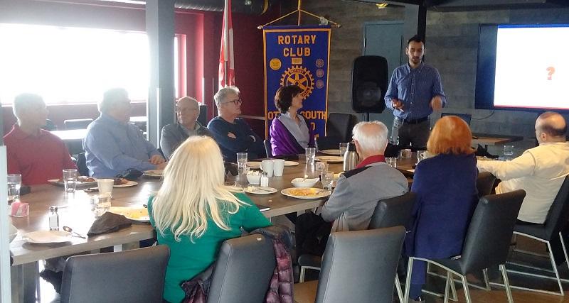 Ivan Vukosavljevic speaks to the Rotary Club of Ottawa South_2