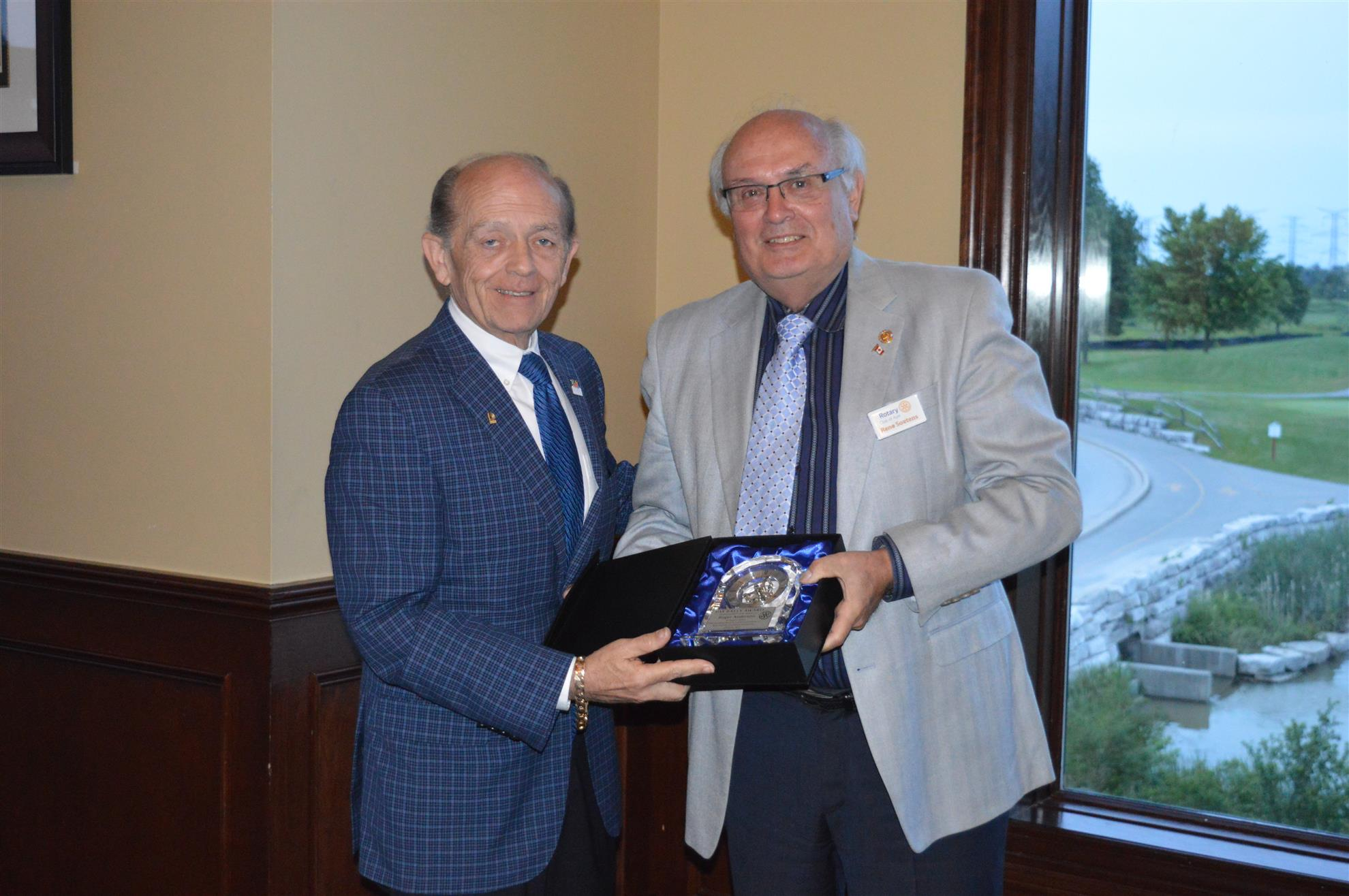 Roger Anderson Receives Pat Bayly Award
