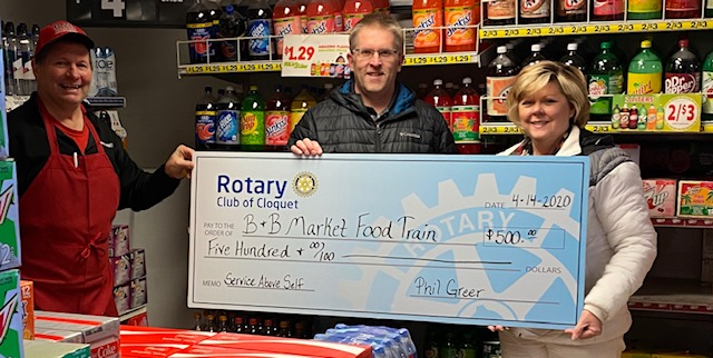 Check presented to B&B market, from the Cloquet Rotary Club, for their help during the pandemic.