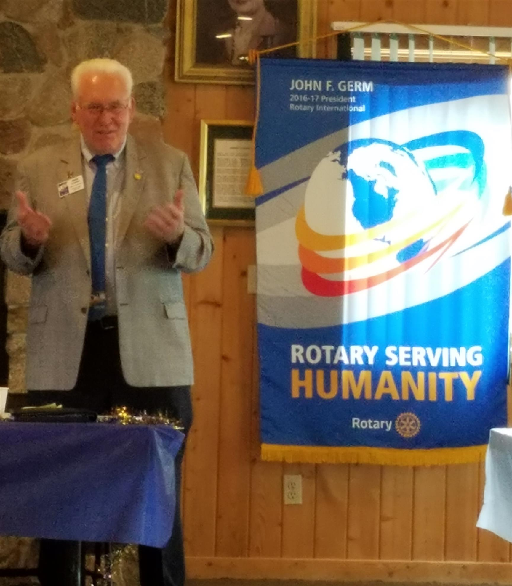 District Governor Herb Schmidt visits Rotary Club of Wahpeton