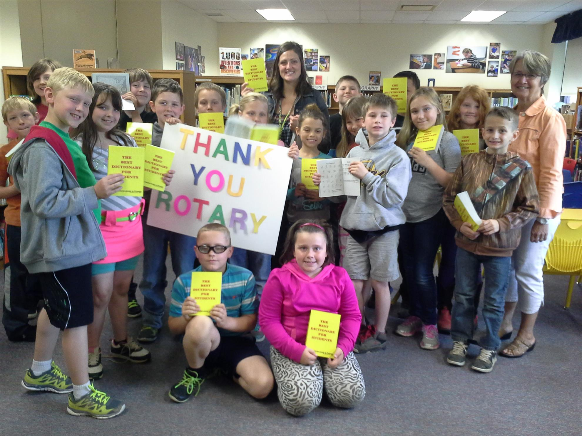 dictionaries-delivered-to-amesville-elementary
