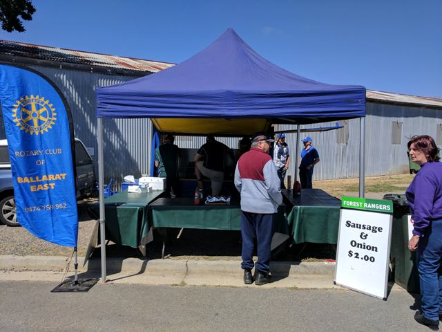 On the third Sunday of the month youu0027ll find us at Ballarat Market assisting a community group to raise funds. In January we were joined by members of the ... & Ballarat Market Community BBQ | Rotary Club of Ballarat East