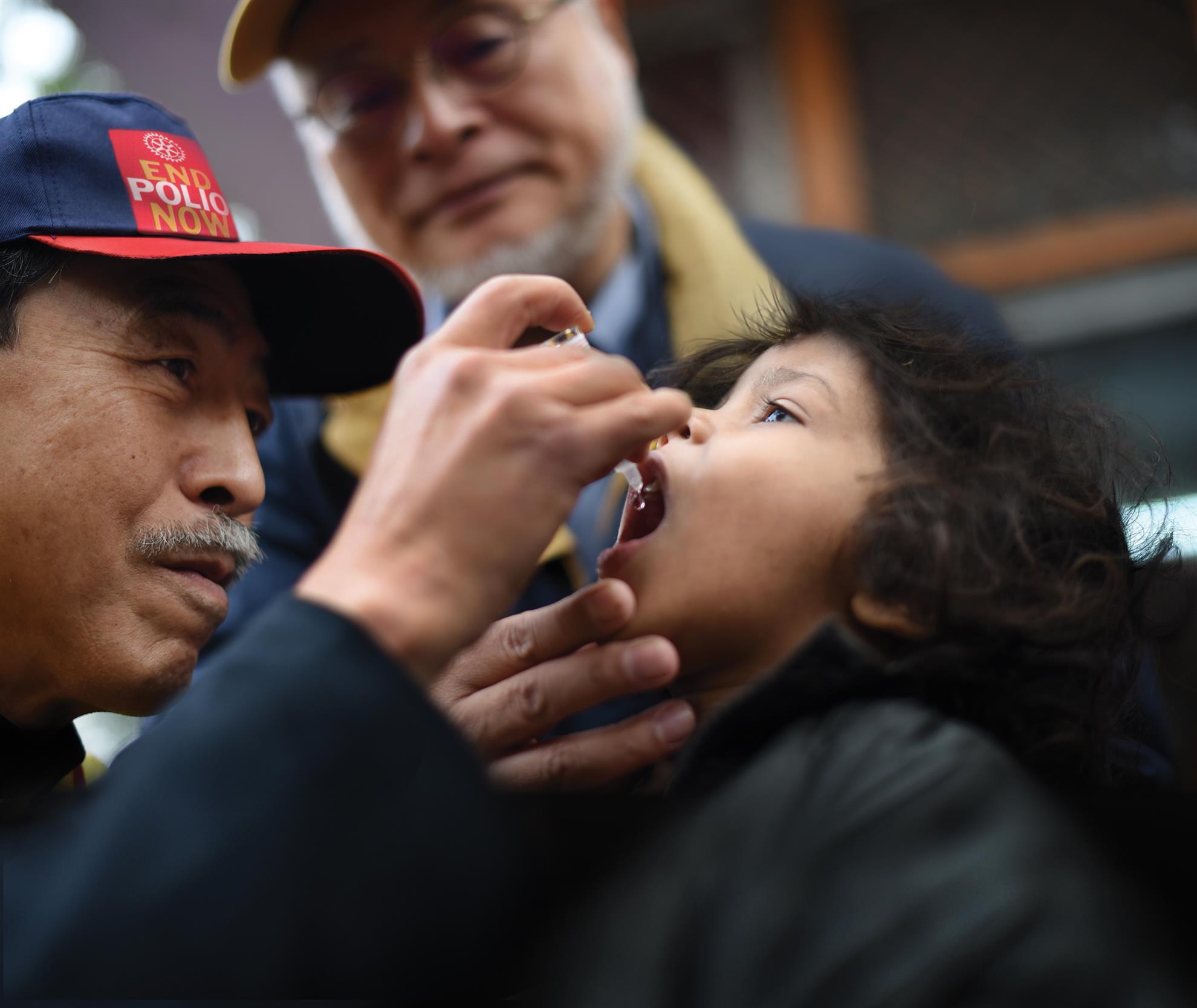 Immunizing children worldwide against polio