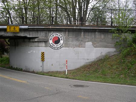 Kirkland Way bridge logo repainted