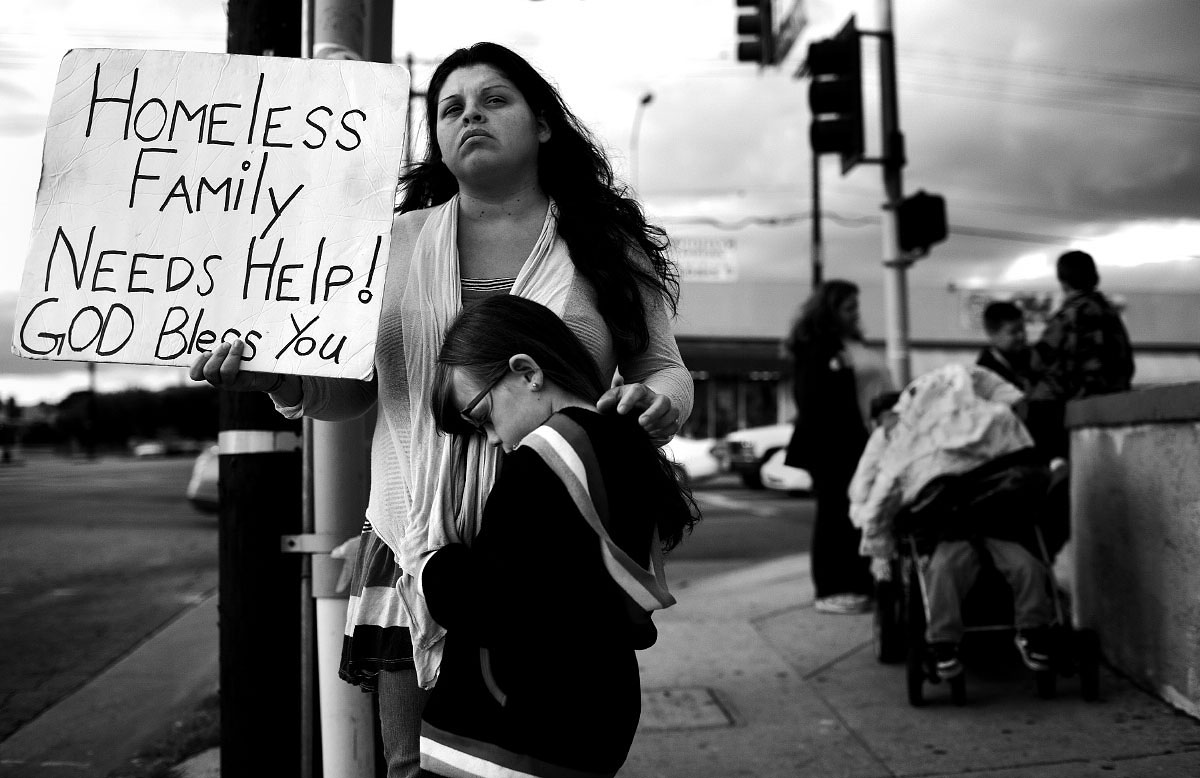 homeless people essay a essay on helping others magnifique essai photo sur les sans abris great photo essay on middot essay about helping homeless people