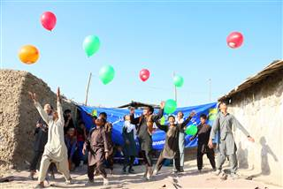 https://media3.s-nbcnews.com/j/newscms/2017_51/2266106/171218-polio-afghanistan-mn-1731_bf1f0866183d5cc5d339b0c28306ee14.nbcnews-ux-320-320.jpg