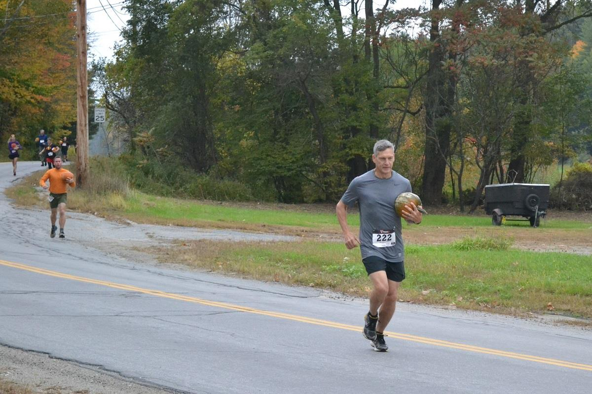 Brian Rowell takes the early lead in the 2018 Pumpkin Run