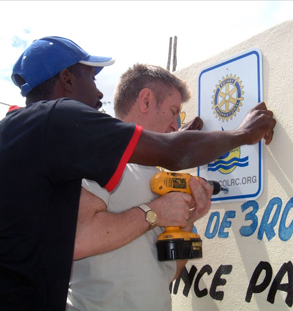 Hanging the COL Rotary Sign