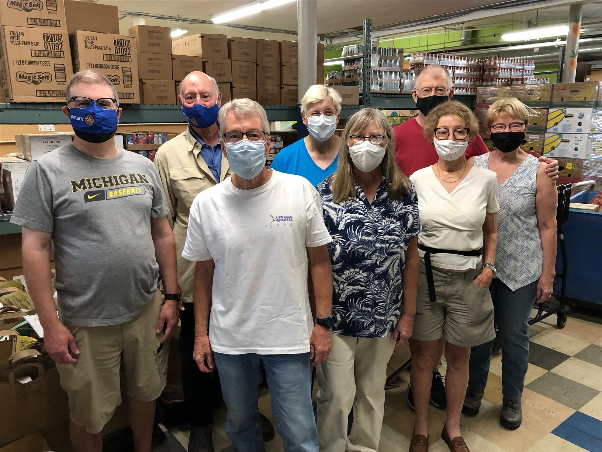 City of Lakes Rotary volunteers at CES food shelf in Minneapolis