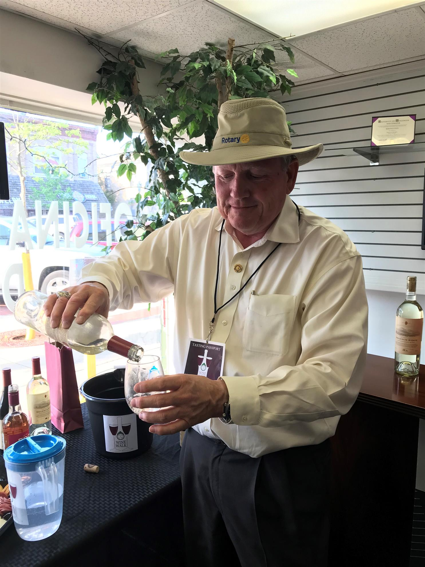 d8737e8f75c770 On May 30th, more than 100 people enjoyed the 2nd wine walk in downtown  Delavan. 17 merchants participated, opening their businesses for wine  tasting and ...