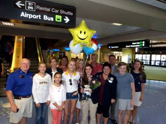 Group at Sky Harbor to meet Valentina