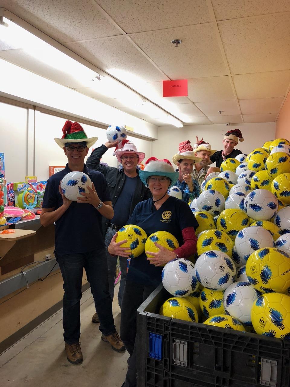 1a0b80f2576 Lots of soccer balls got pumped up