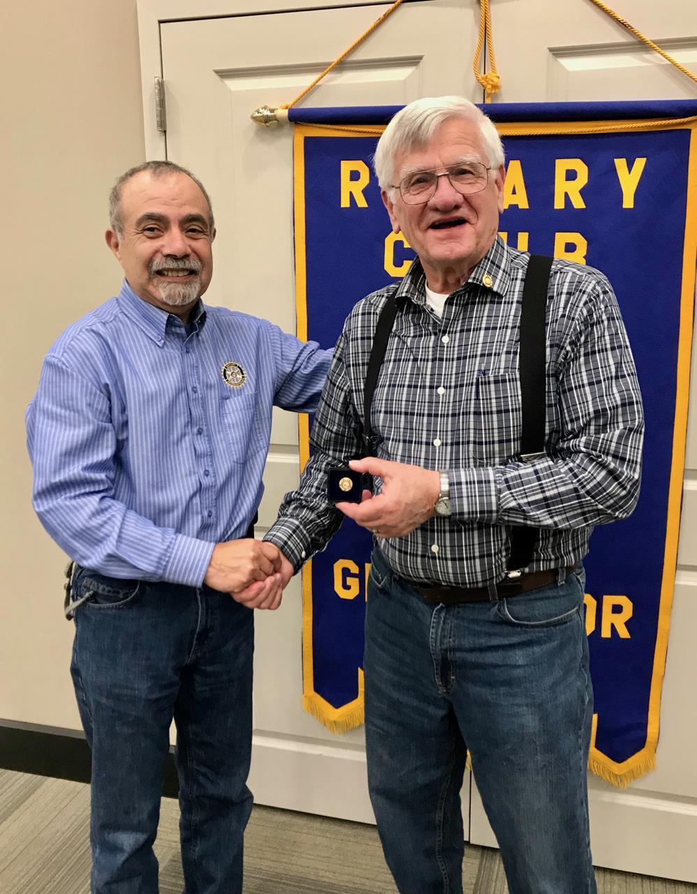 Lou receiving award from Bob Southworth