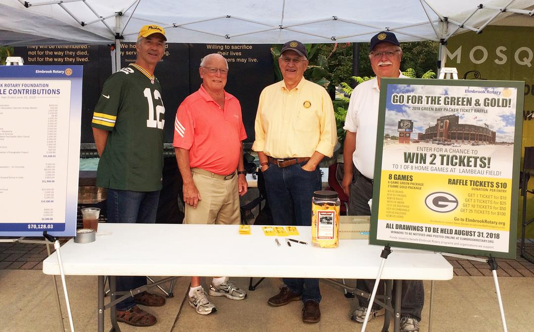 elmbrook-rotarians-at-brookfield-farmers-market-packer-ticket-raffle