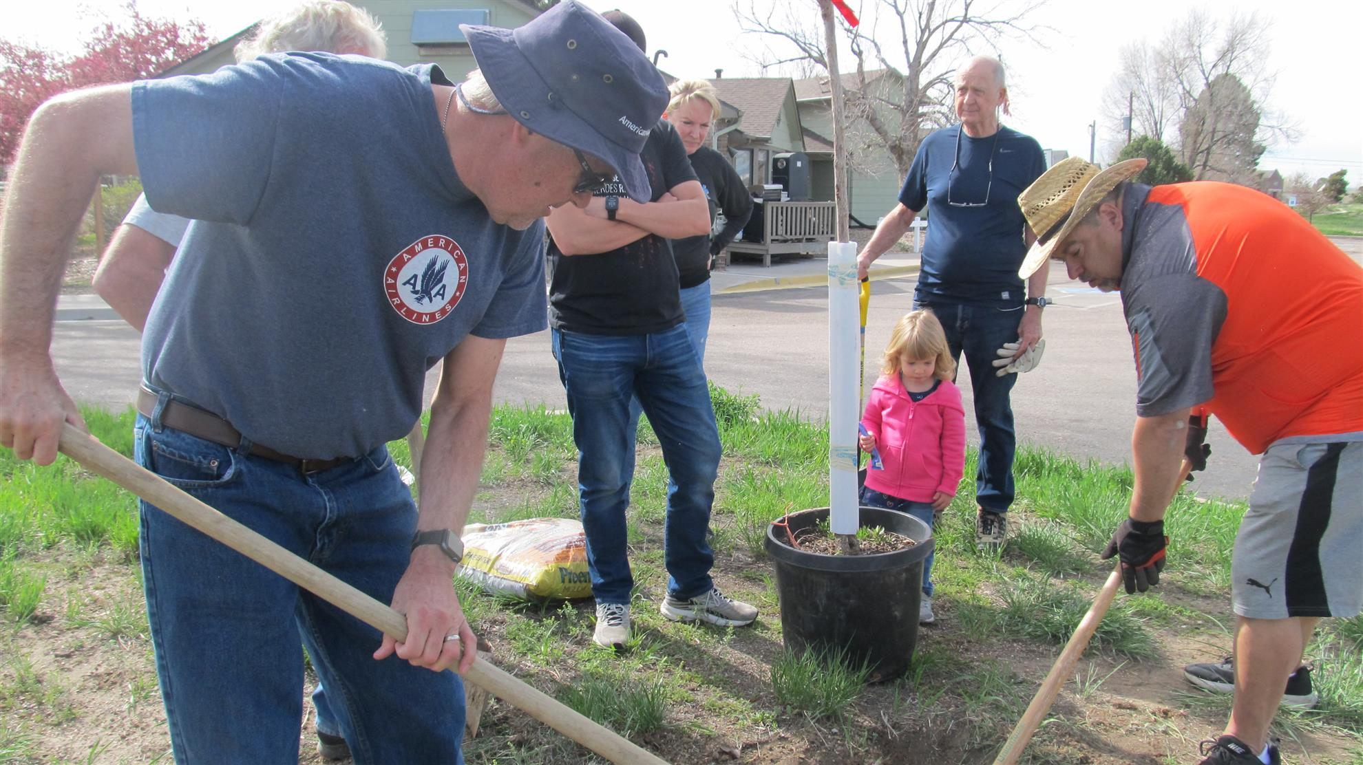 Rotarians at Work on Rotary District 5450 Service Day