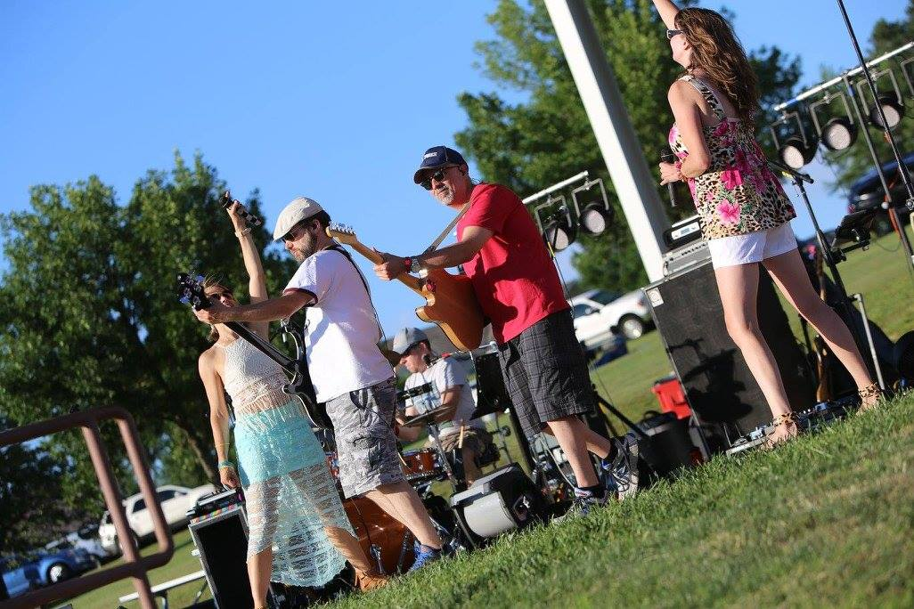 Club social at music in the park rotary club of wayne for Classic club music