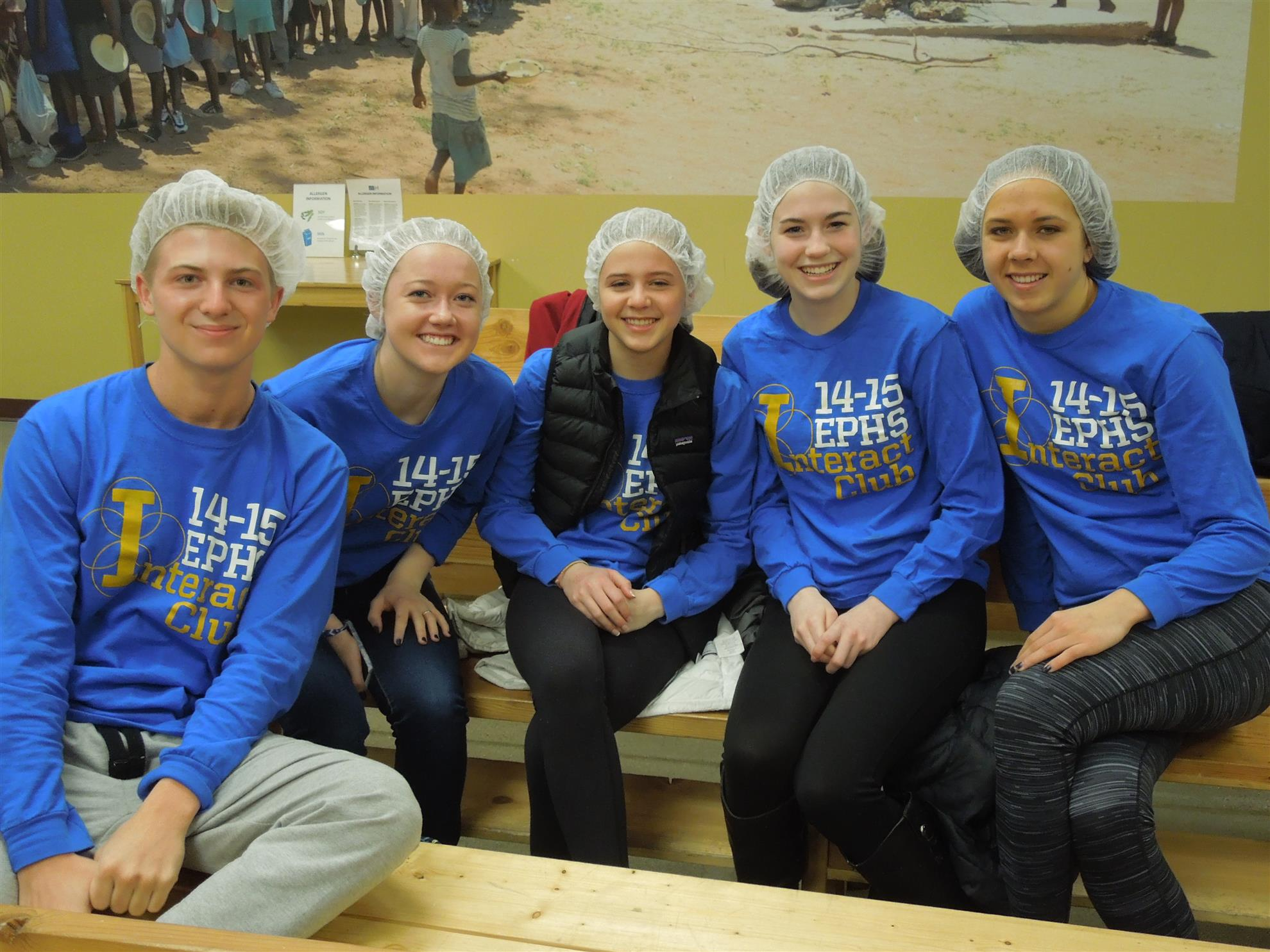 EPHS Interact Club packed food with us