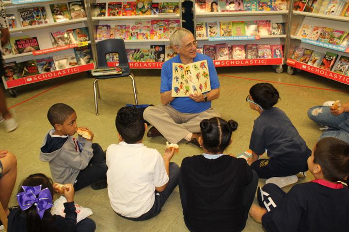 Rick Sherman reading to students at Hyde Leadership.