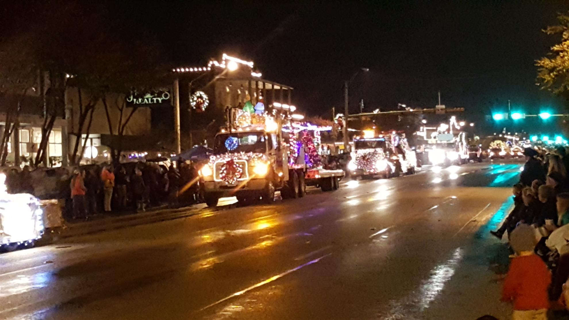 Stories Rotary Club Of Lakeway Lake Travis Power Supply For Lights In Trailer Vehicles Contractor Talk Fellow Members This Is Just A Note To Remind You That We Have Arranged Our Christmas Bus Take Us Fredericksburg Next