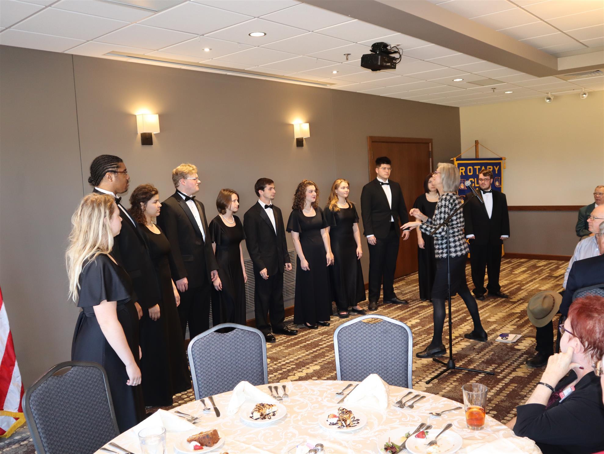 Rolaine Hetherington with Friends Concert Choir