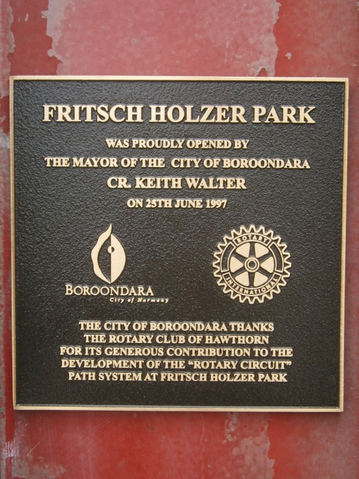 Plaque at Fritsch Holzer Park | Rotary Club of Hawthorn