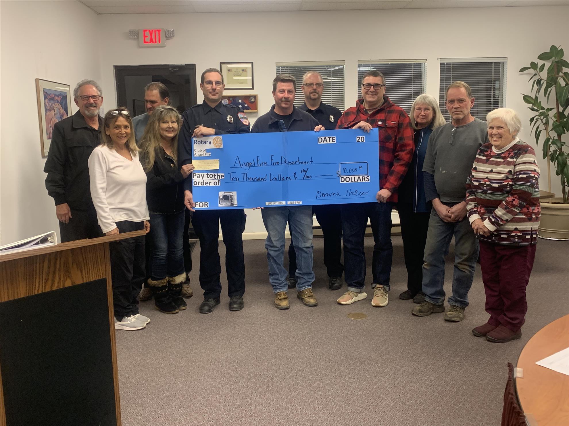 Rotary Raises $10000 for AFFD Defibrillator