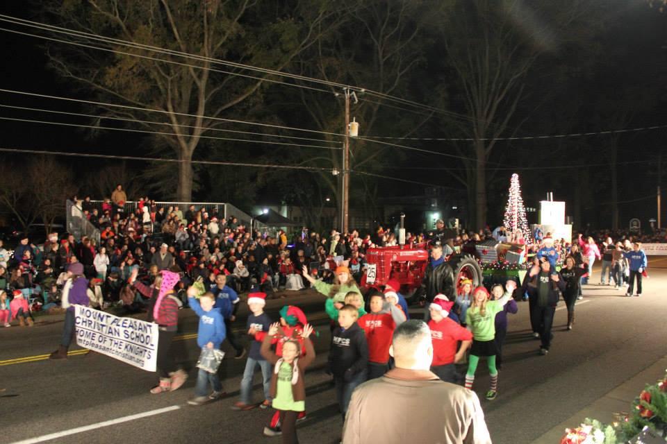 Chesapeake Christmas Parade 2019.Chesapeake Rotary Christmas Parade Rotary Club Of Chesapeake