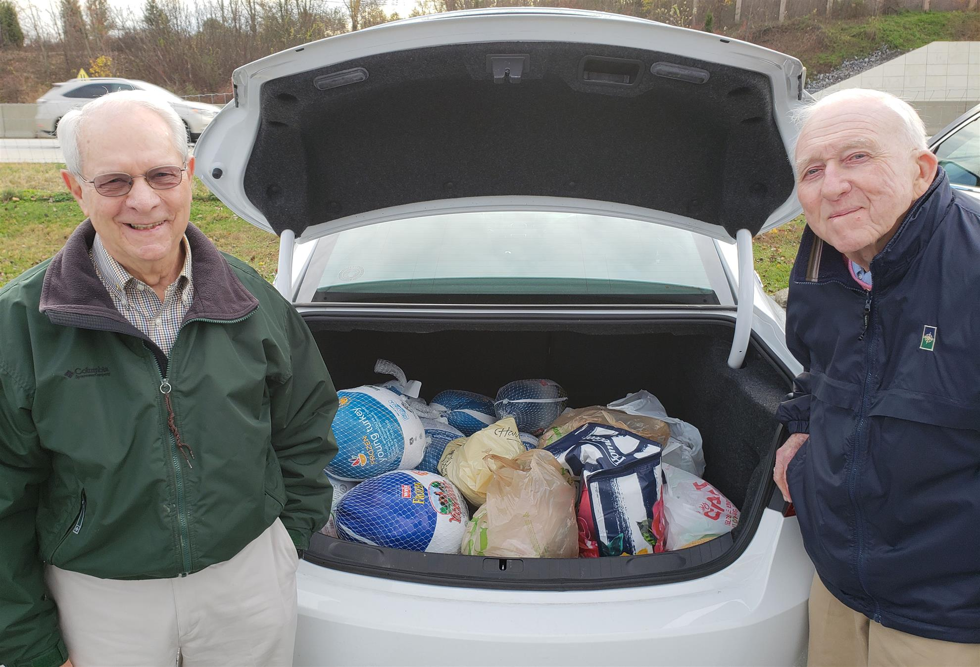Rotarians Give Turkeys To New Hope Ministries Rotary Club