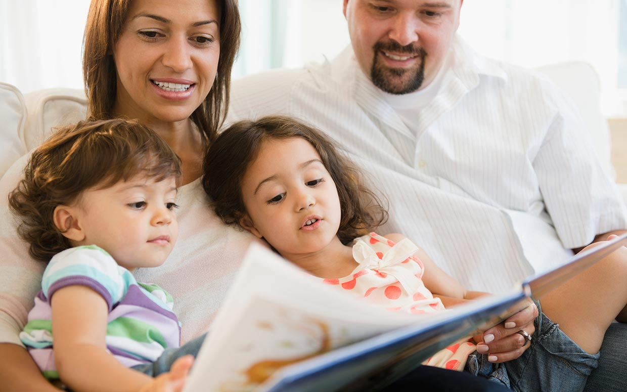 the role and importance of parents to their children Argumentative way, the role of the parents in their overall children's the mother's function in this regard, has a very important role which as such may be.