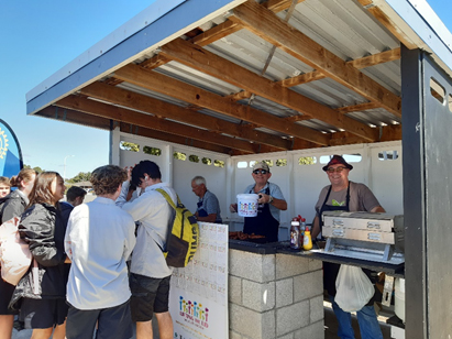 Waikanae Rotarians Lifting the Lid BBQ at Paraparaumu College