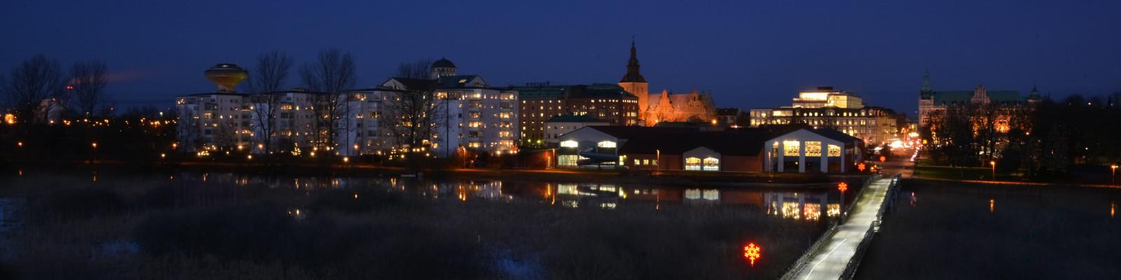 Kristianstadstad---kvällsvy-I---Claes-Sandén---1600x400.jpg