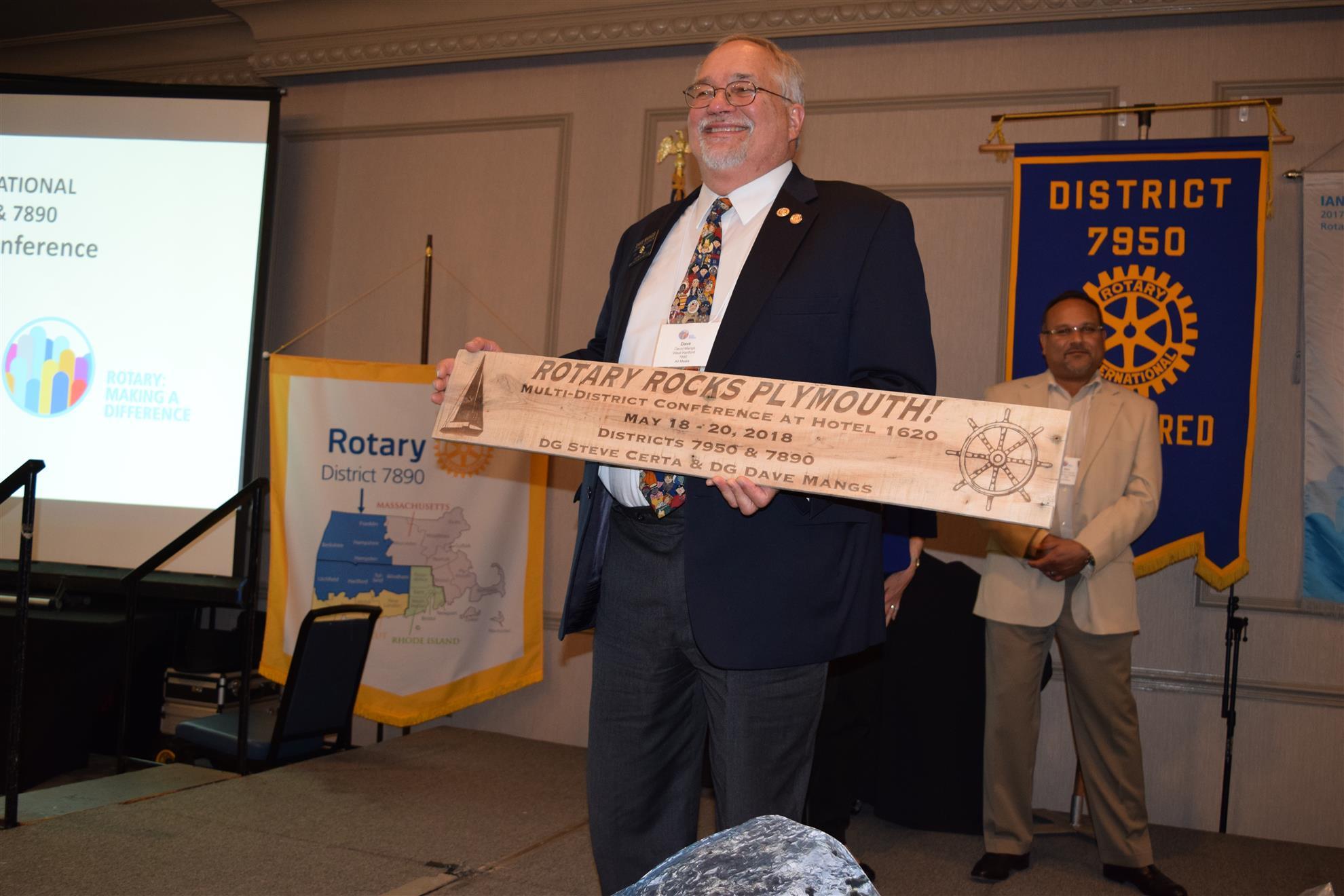 DG Dave receives a thank you gift