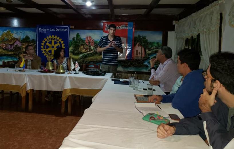 8cb801c28db ... socios de Rotary Las Delicias