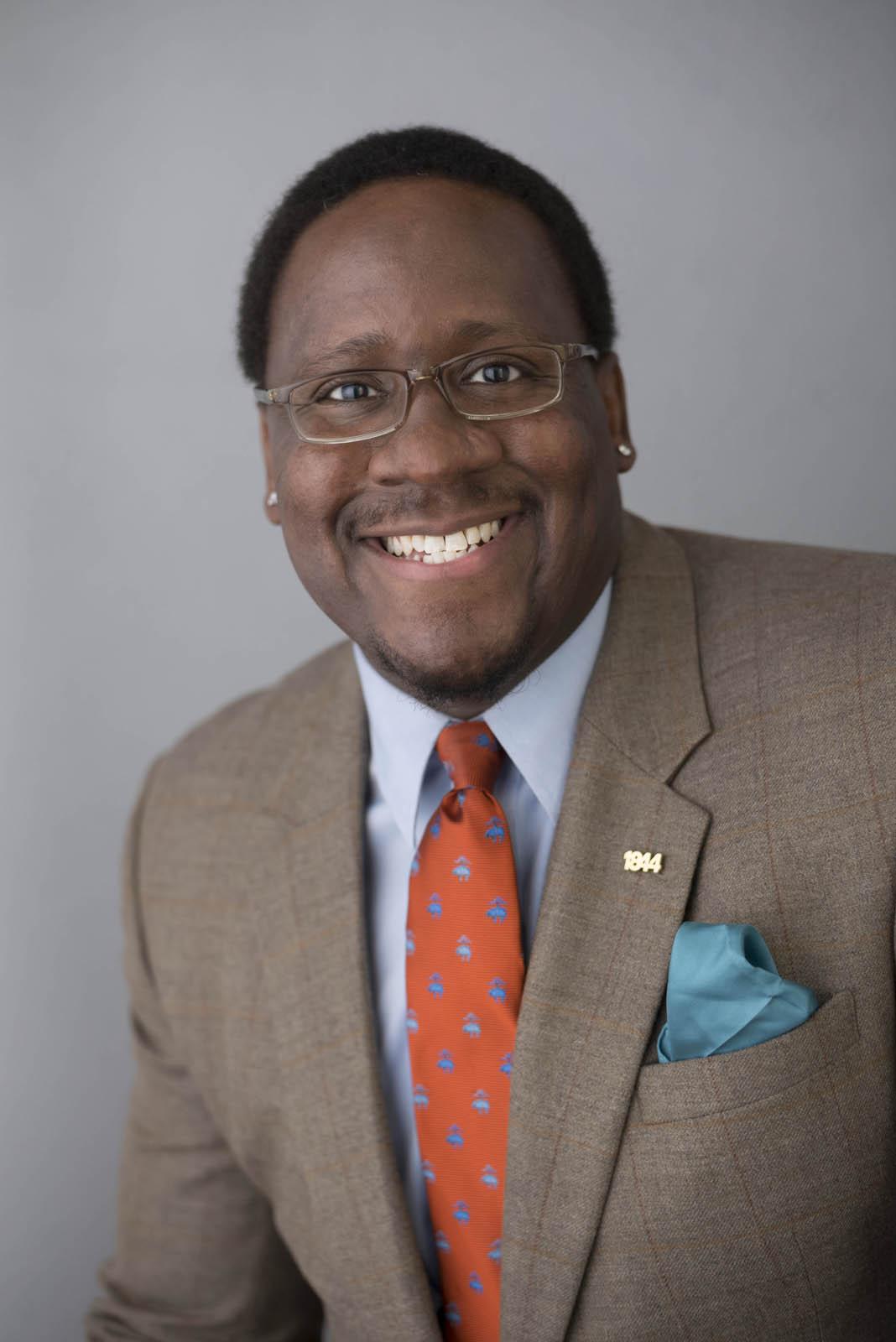 Photo of Dr. Sim Covington