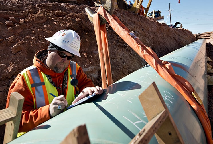 Pipeline operator working on pipeline