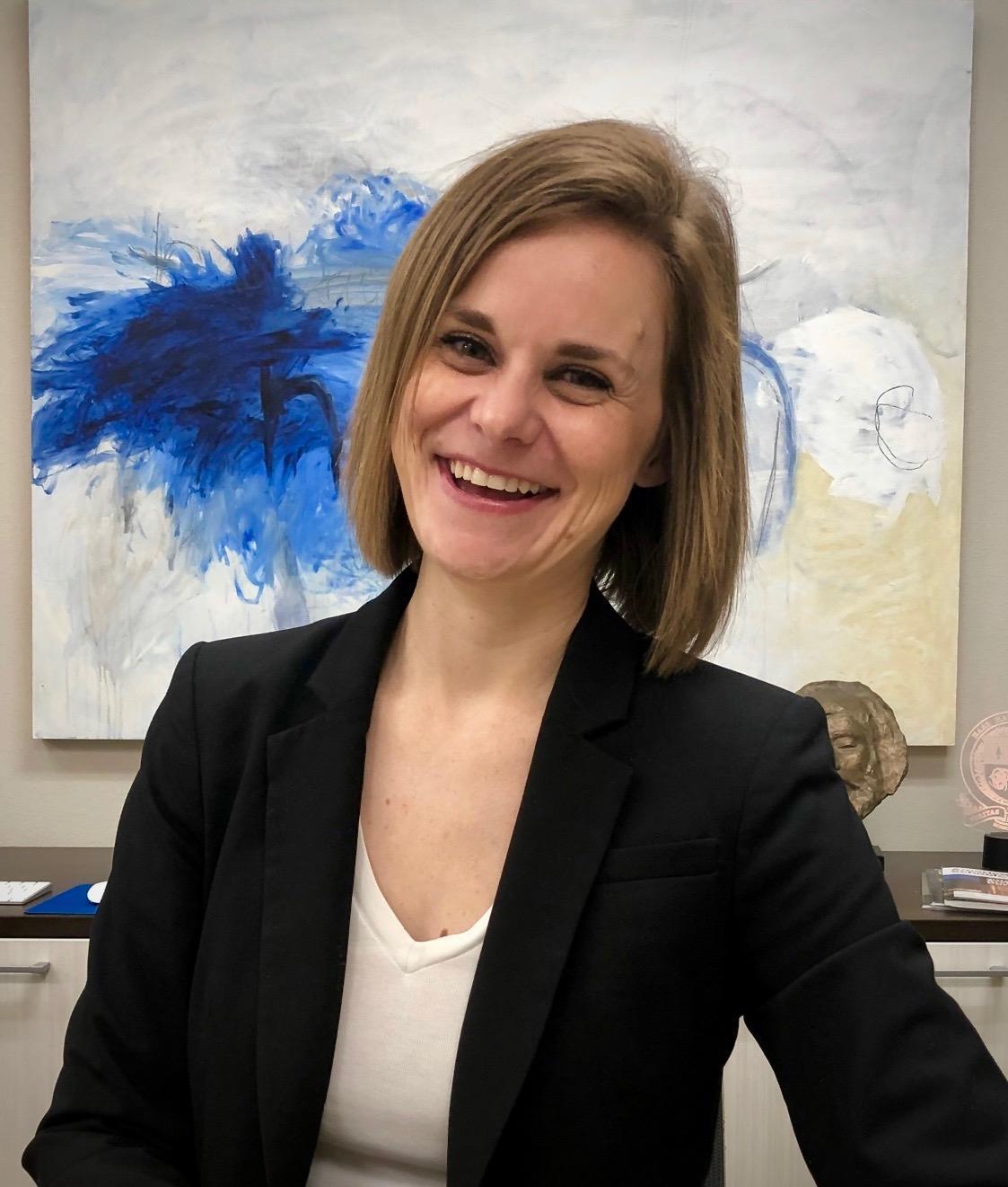 Rebecca Luebker Moll Headshot