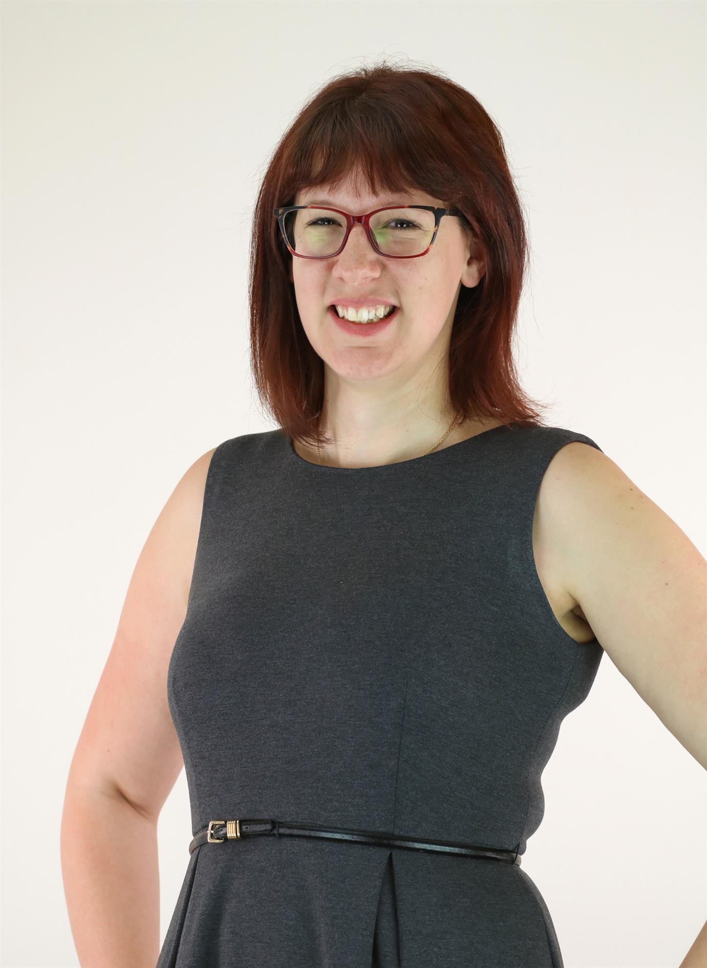 Stacy Jeziorowski Headshot